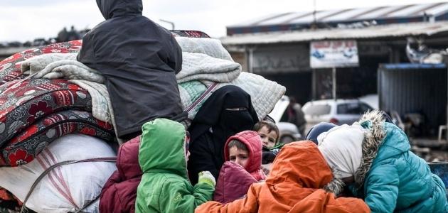 Katar'dan Türkiye'nin sınırındaki sığınmacılara yardım