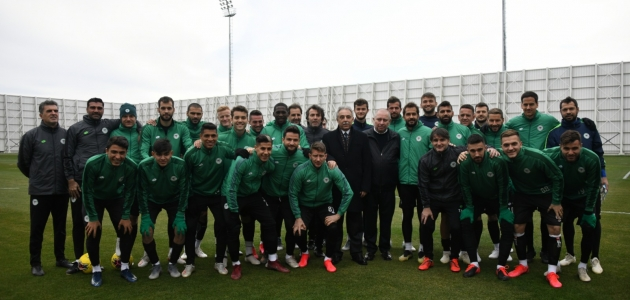 Vali Toprak'tan Konyaspor'a ziyaret