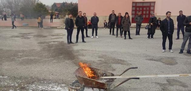 Karapınar'da öğretmenlere yangın eğitimi
