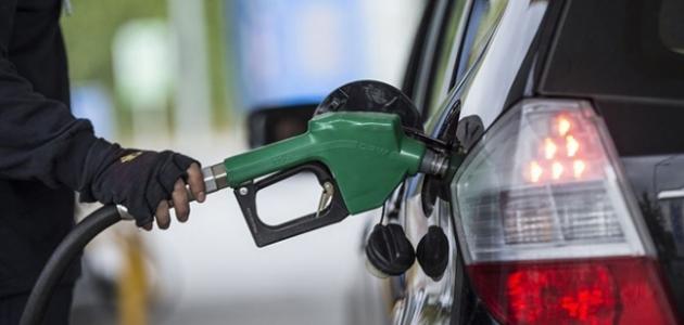Petrol fiyatları pompaya indirim olarak yansıdı