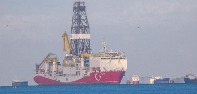 Fatih Sondaj Gemisi Boğaz'dan geçiş için hazırlanıyor