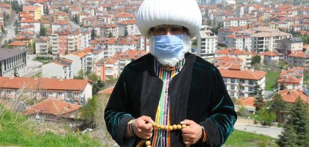 """Temsili Nasreddin Hoca'dan """"evde kal"""" çağrısı"""