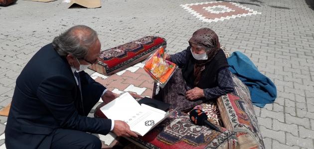 Kulu'da 100 yaşını aşan annelere anlamlı ziyaret