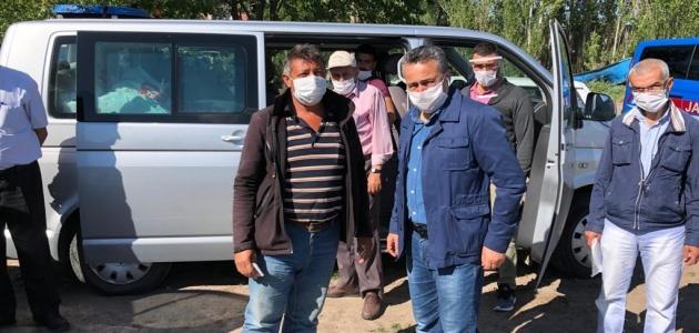 Seydişehir'de mevsimlik  tarım işçilerine bayram ziyareti