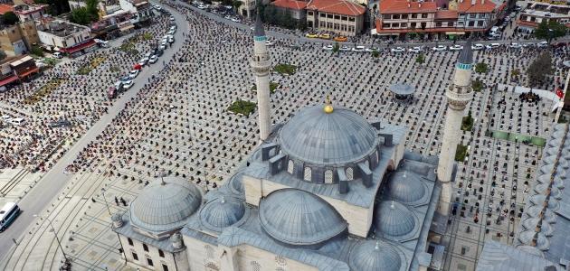 Konya'da salgın sonrası ilk cuma namazı