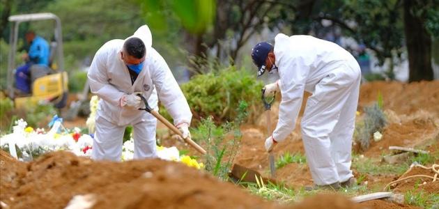 Brezilya'da Kovid-19 nedeniyle son 24 saatte 1274 kişi hayatını kaybetti