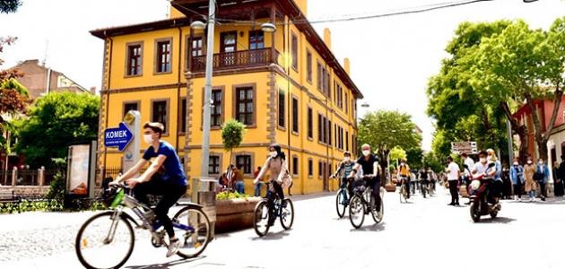Konya Büyükşehir'den bisikletle şehir turu