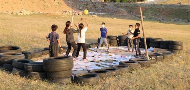 Bakan Kasapoğlu'ndan Siirtli çocuklara tesis müjdesi