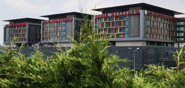 Dev sağlık merkezi salgınla mücadelede şifa dağıtıyor