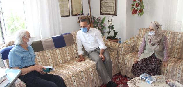 Seydişehir Belediye Başkanı Tutal'dan şair Paslı'ya ziyaret