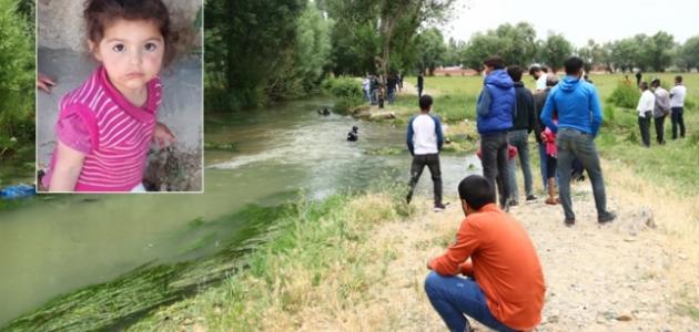 Van'da kaybolan 2 yaşındaki Melek'ten acı haber