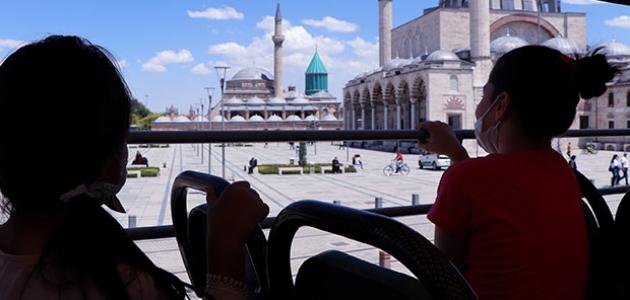 Şehir turuyla Konya'yı yakından tanıyorlar