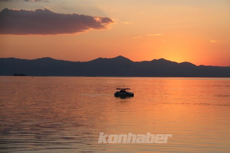 Beyşehir Gölü Milli Parkı'nda gün batımı