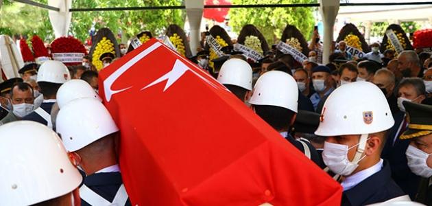 Şehit Astsubay Kıdemli Başçavuş Akgöz son yolculuğuna uğurlandı