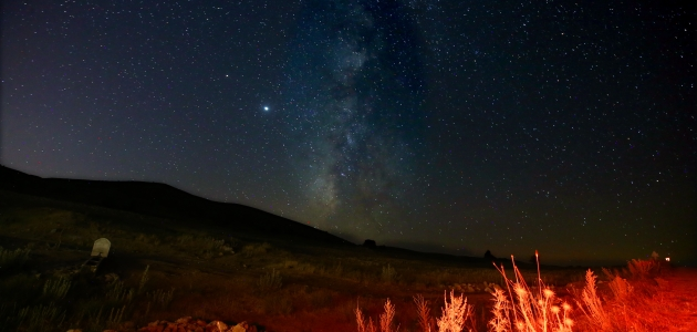 Konya'da Samanyolu Galaksisi ve yıldızlı gece