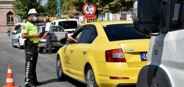 Konya'da kural ihlali yapan sürücülere 778 bin lira ceza