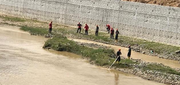 Selde kayıp asker ve vatandaşları arama çalışmaları devam ediyor
