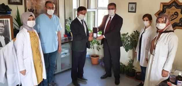 Başkan Ertaş'tan sağlık çalışanlarına destek ziyareti