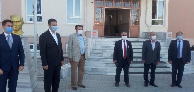 Cihanbeyli Belediyesi'nden okullara tablet desteği