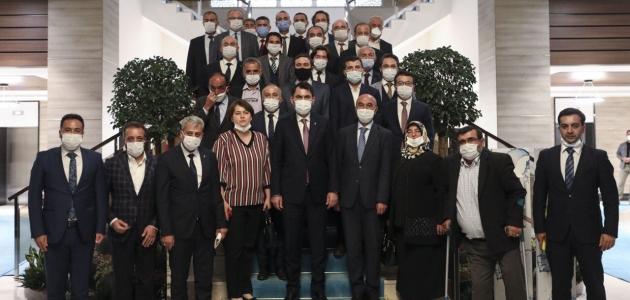 Bakan Kurum, AK Parti Konya İl Teşkilatını kabul etti