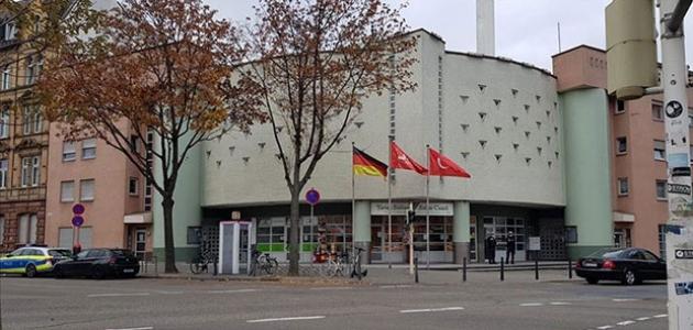 Almanya'da camiye asılsız bomba ihbarı ve İslamofobik içerikli mektup