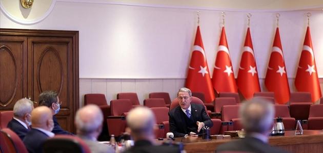 Bakan Akar'dan CHP'li vekile sert tepki: Akla ziyan bir husus