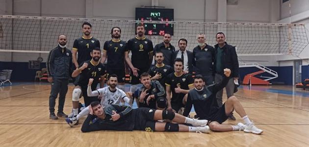 Konya Büyükşehir Belediyespor Voleybol Takımı galibiyet serisini sürdürdü