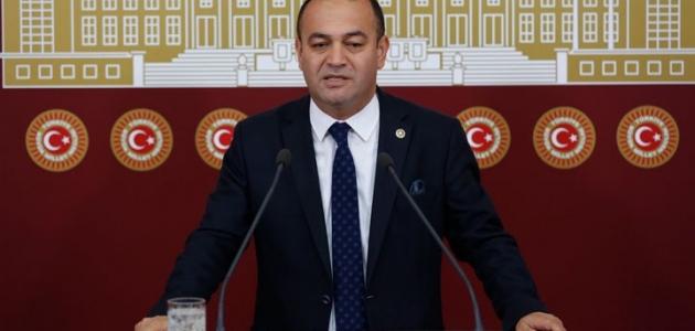 CHP'li Özgür Karabat'a şantaj soruşturmasında gözaltına alınan 4 şüpheli tutuklandı