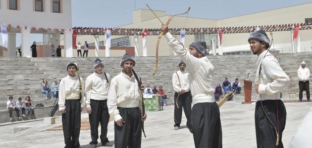 Türkiye'nin ilk ve tek geleneksel Türk okçuluğu atölyesi KMÜ'de