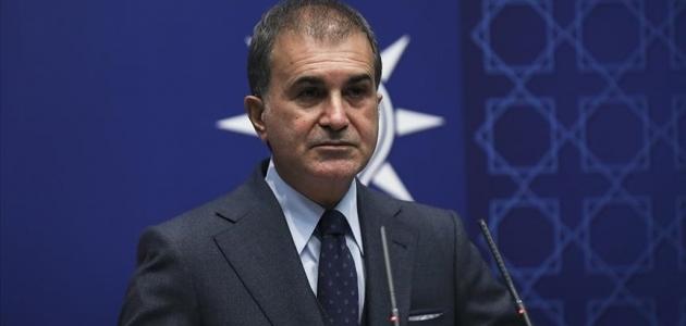 AK Parti Sözcüsü Çelik Kabe fotoğrafının yere serilmesini kınadı