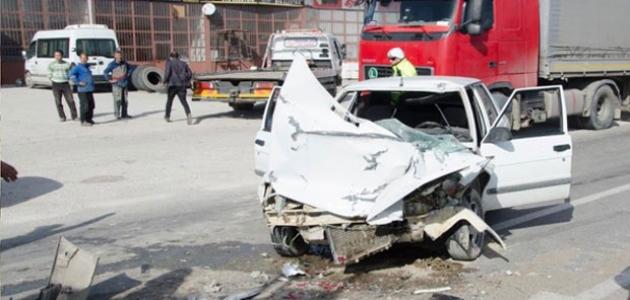 Otomobil ile süt tankeri çarpıştı: 2 yaralı