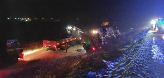 Konya'da feci kaza: 5 ölü, 33 yaralı