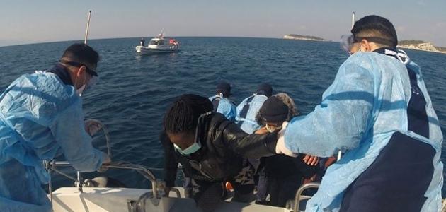 Türk kara sularına geri itilen 53 göçmen kurtarıldı