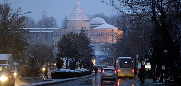 Konya'da kar yağışı etkisini sürdürecek