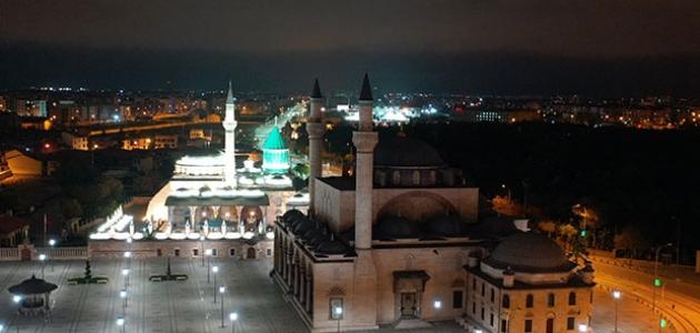 Hazreti Muhammed'in Allah'ın huzuruna yükseldiği Miraç gecesi idrak edilecek