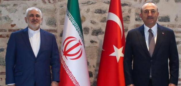 Bakan Çavuşoğlu, İranlı mevkidaşı ile bir araya geldi