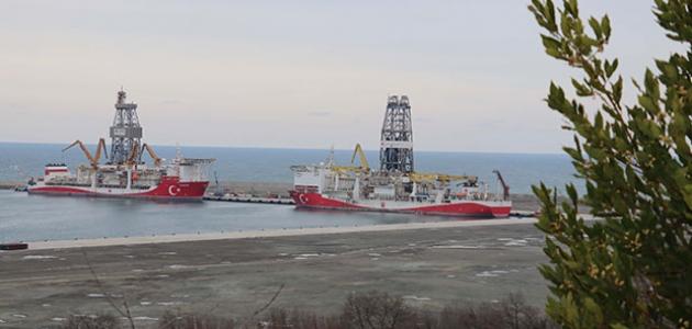 Fatih ve Kanuni gemileri, yeni sondaj için Filyos Limanı'nda hazırlıklarını sürdürüyor