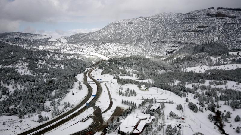 Orta Toroslar karla kaplandı