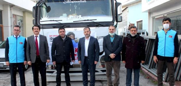 İdlib'de kurulan Konya Mahallesi'ne 1 tır dolusu pencere yardımı