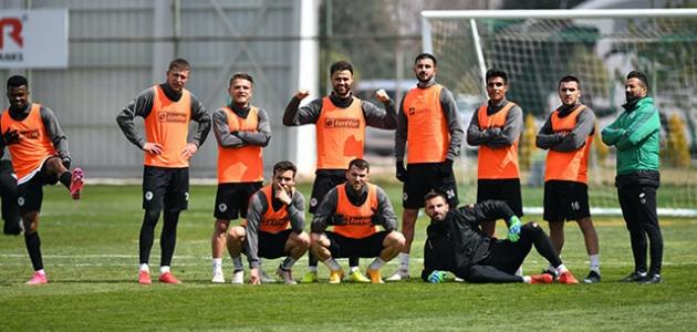 Konyaspor, Erzurumspor maçı hazırlıklarını sürdürdü