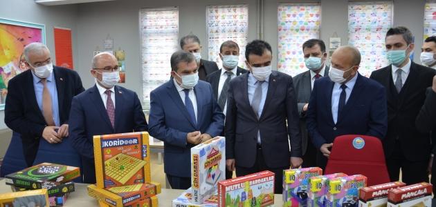 Karaman'da Çocuk ve Türkçe kütüphaneleri açıldı