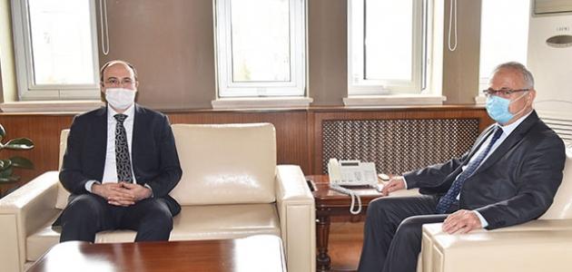 MEVKA Genel Sekreteri Bostancı'dan Rektör Ak'a ziyaret