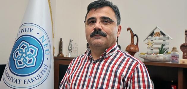 Dekan Prof. Dr. Karapınar: Ramazanı şükür içerisinde eda edelim