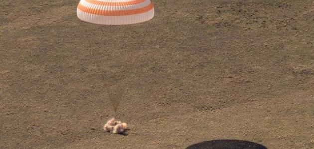 UUİ'de görev yapan 3 astronot dünyaya döndü