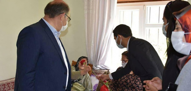Karapınar'da kaymakam ve belediye başkanından şehit annelerine ziyaret