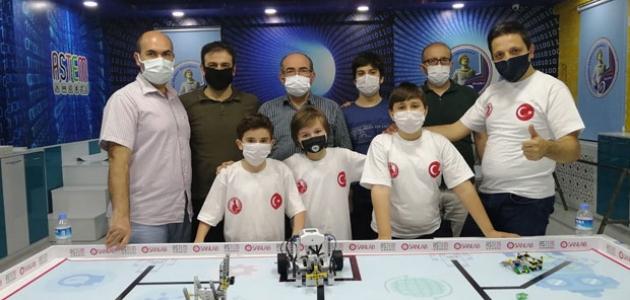 Selçuklu Kaşgarlı Mahmut Ortaokulu birinci oldu