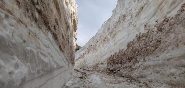 Hakkari'de mayıs ayında da karla mücadele çalışmaları devam ediyor