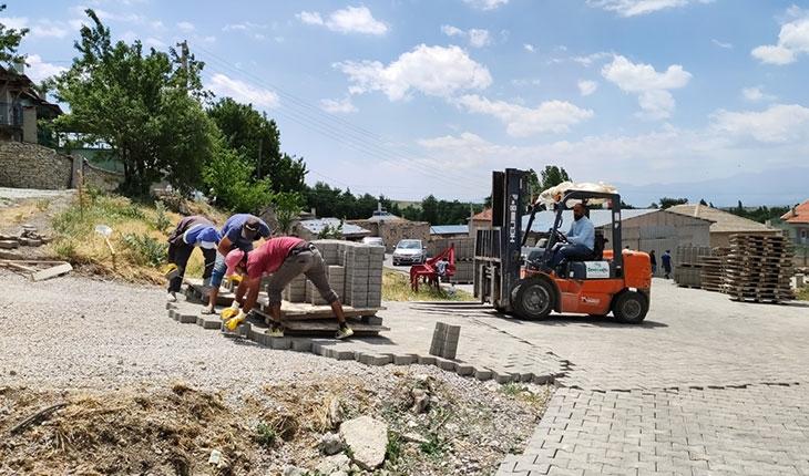 Seydişehir'de parke taşı çalışmaları hız kazandı