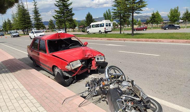 Konya'da otomobil motosiklete çarptı: 2 yaralı
