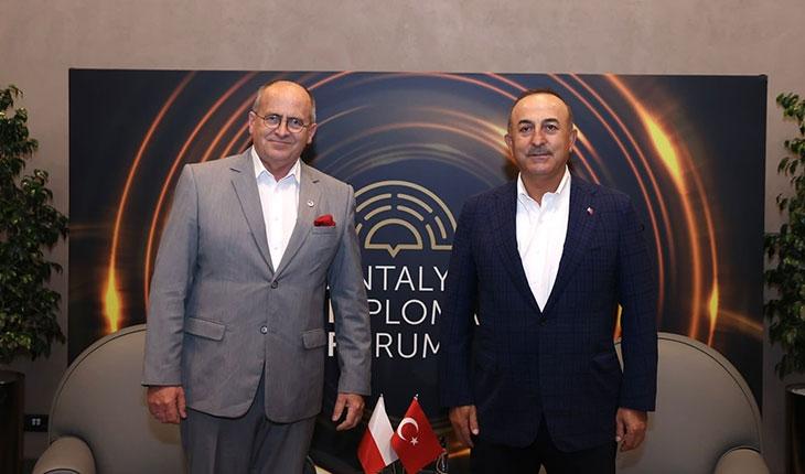 Dışişleri Bakanı Çavuşoğlu, Antalya'da Polonya, Gabon ve Kamerun'dan mevkidaşlarıyla görüştü